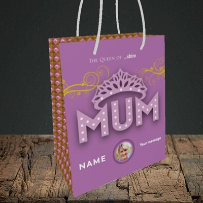 Picture of The Queen, Mother's Day Design, Small Portrait Gift Bag