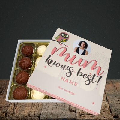 Picture of Mum Knows Best, Mother's Day Design, Choc 16
