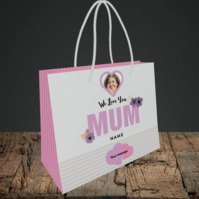 Picture of We Love Mum, Mother's Day Design, Small Landscape Gift Bag