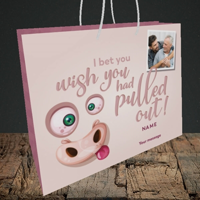 Picture of Pulled Out!, Father's Day Design, Medium Landscape Gift Bag