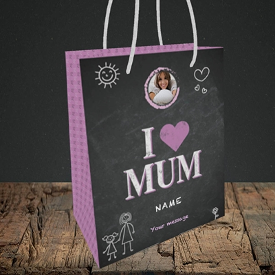 Picture of I Love Mum (Chalk Board), Small Portrait Gift Bag