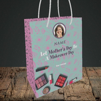 Picture of Makeover Day, Mother's Day Design, Small Portrait Gift Bag